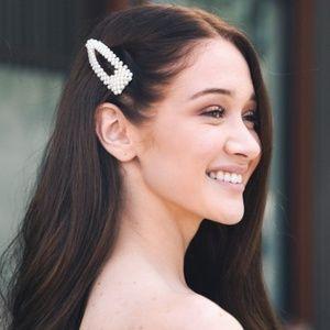Pearl hair clip snap